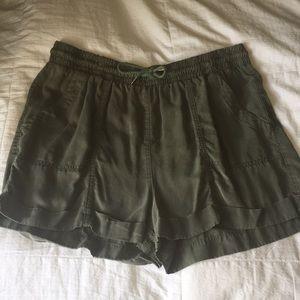 green universal thread shorts